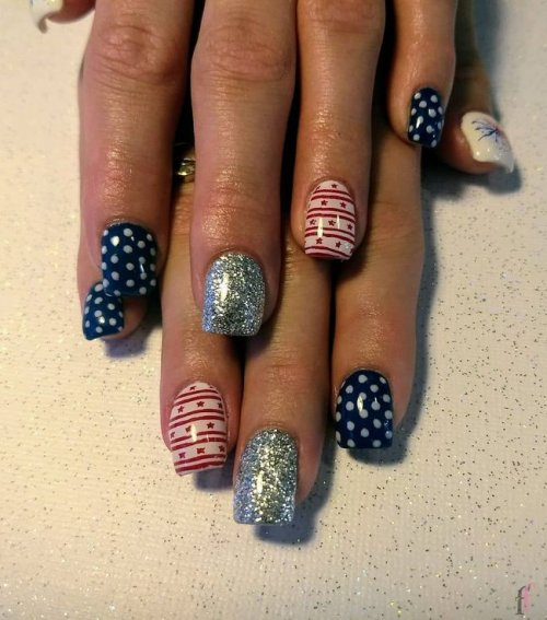 Why not show your patriotism on your fingertips? Here we have 20 cute nail designs for 4th of July 2018 to fall in love with #Nail #NailArt #NailDesigns #4thofJuly #Patriotic