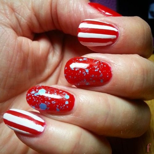 We've rounded up some of our favorite and easy 4th of July nail art ideas, so your nails will get more attention than the fireworks! #Nail #NailArt #NailDesigns #4thofJuly #Patriotic