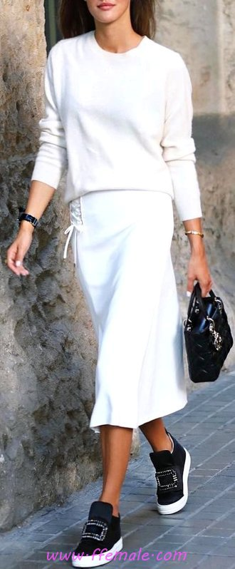 Adorable And Relaxed Outfit Idea - posing, trendsetter, getthelook