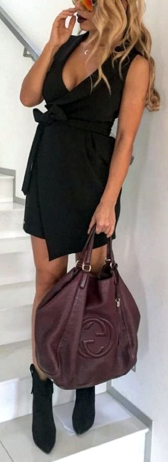 Best classic and relaxed look - vneck, wrap, sunglasses, black, handbag