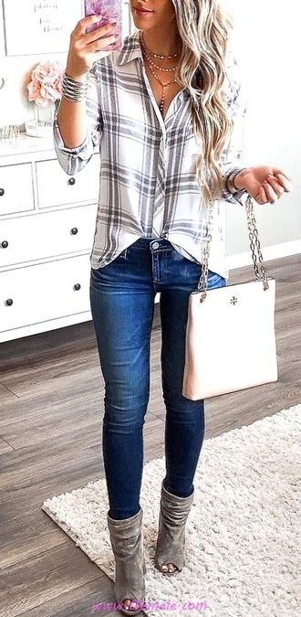 Elegant and relaxed look - fashion, denim