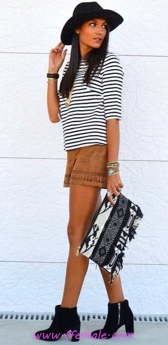 Top awesome and relaxed wardrobe - fancy, posing, lifestyle, trendy