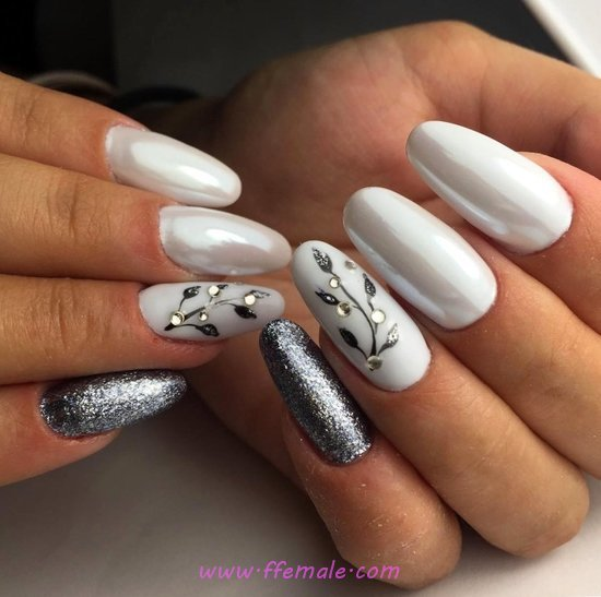Orderly Dainty Gel Manicure Art Ideas - nails, party, trendy, hilarious